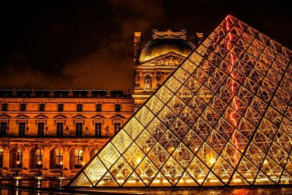 Paris the-louvre-